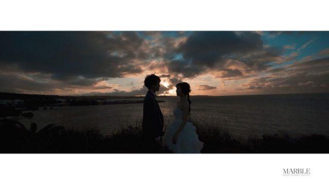 .  𓍯 Photo Wedding Location  move𓍯 マーブルリゾートウェディング沖縄のフォトウェディングは写真だけではありません🌟 . 他には真似のできない圧倒的なクオリティ誇るロケーションムービーで結婚式をされない方はさらに思い出の残るムービーを、ご結婚をご予定されている方はオープニングムービーなどで使用しさらに盛り上がるツールのひとつに🎥 . おふたりだけのとっておきのWEDDING STORYを創りましょう𓍯 . 𓇼𓂃𓂃𓂃𓂃𓂃𓂃𓂃𓈒𓏸  〖 cinemagrapher 〗 ⇢Masaru Iwata  〖 hairmake 〗 ⇢Kanako Uthima  〖 Bride costume 〗 dress⇢ P103  〖 Groom costume 〗 tuxedo⇢ GT100 𓏸𓈒𓂃𓂃𓂃𓂃𓂃𓂃𓂃𓇼  ------------------------------ プラン詳細はプロフィールのURLをクリック👆 もしくはフリーダイヤルかメール、LINEをお友達追加していただきトーク画面にてお問い合わせください✨ ☎︎: 098-987-6266 ✉︎: mrw-okinawa@marry-marble.com LINE:@949kluns . #marrymarble#marbleresortWedding#マリーマーブル#マーブルリゾートウェディング沖縄#フォトウェディング#ウェディングフォト#ロケーションフォト#ブライダル撮影#リゾートウェディング#リゾートウェディング沖縄#wedding#沖縄ウェディング#沖縄フォトウェディング#ビーチウェディング#絶景スポット#サンセット#沖縄#日本の絶景#前撮り#結婚式前撮り#沖縄フォト祭り#プレ花嫁#沖縄花嫁 #ザネー浜#ウェディングムービー#オープニングムービー